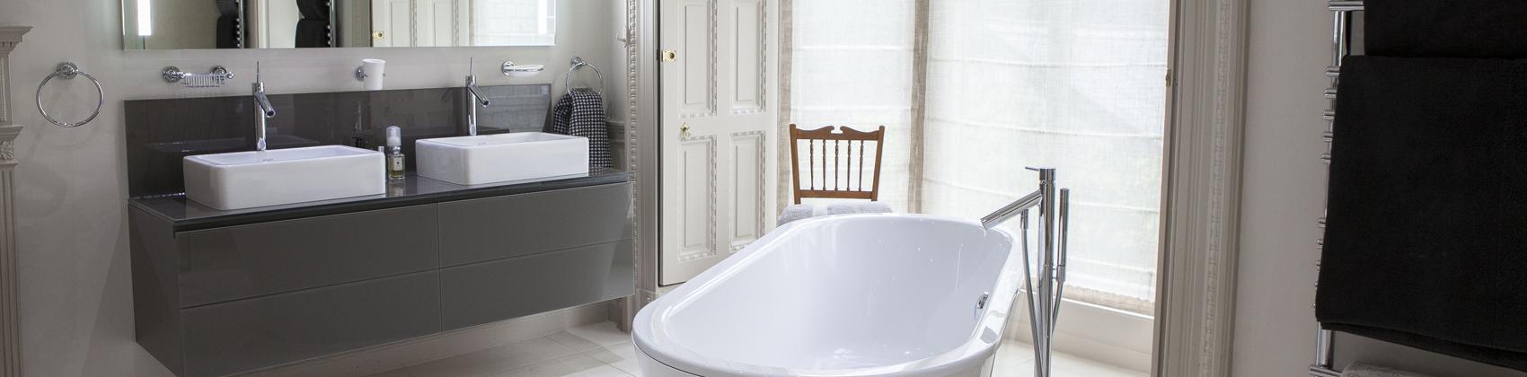 Modern Georgian Master Bathroom